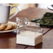 Halbes Pint geblasenes Glas Mini Milch Karton Creamer Behälter