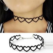 Herzförmige Halsband Choker im stylischen Look