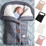 Gestrickte Schlafsack für Babys - mit wärmendem Teddyfutter
