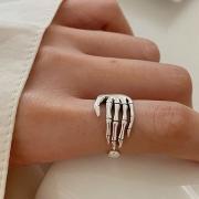 Handförmiger Ring aus Aluminium im Retrostil