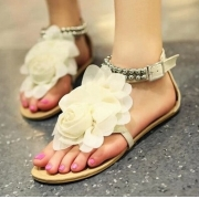 Sweet Women's Sandals With Flower and Beading Design