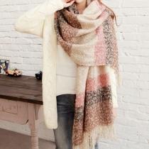 Warmer langärmeliger Schal aus Mohair mit vermischter Farbe und Fransen
