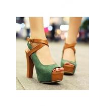 Peep-toe Schuhe mit hohen Absätzen und grünem Kreuz vom europäischen Stil