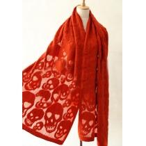 Cooler stilvoller Schal vom Punksstil mit reiner Farbe und geprägtem Schädel
