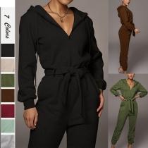 Modischer Overall in Volltonfarbe mit Langen Ärmeln Kapuze Hüftband und Hoher Taille