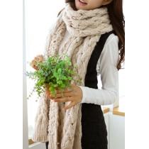 Gestrickter warmer langer öffnender Schal mit reiner Farbe
