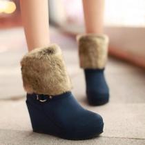 Warme elegante lässige struppige gespleißte Stiefel mit Keil