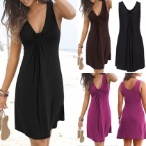 Modernes Ärmelloses Kleid mit Geknotetem V-Ausschnitt und Volltonfarbe