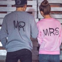 Casual Sweatshirt für Ehepaar mit Mr.- und MRS.-Print