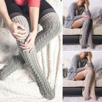 Stylische kuschelige warme gestrickte Overknie-Socken