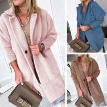 Plüsch-Mantel mit Reverskragen und aufgesetzten Taschen