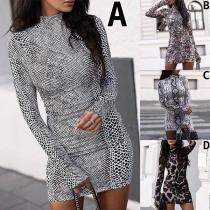 Sexy Kleid mit Langen Ärmeln Stehkragen Schlanker Passform und Schickem Muster