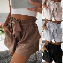 Shorts in weiter Form mit Bindeband, Faltenrüschen und Bundfalten