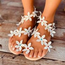 Nette Sandalen mit Flachen Absätzen und Blumen