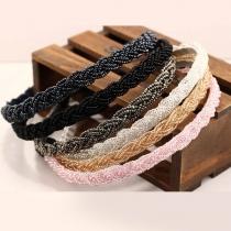 Modernes Geflochtenes Haarband