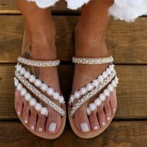 Moderne Sandalen mit Korn Spitze und Flachen Absätzen