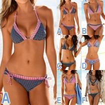 Sexy Bikini-Set mit Schickem Muster Halsträger und Niedriger Taille