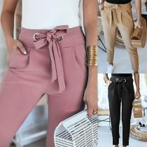 Moderne Hose mit Volltonfarbe Hoher Taille Schlanker Passform und Hüftband