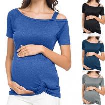 Sexy Umstands-T-Shirt mit Schrägen Schultern Kurzen Ärmeln und Verdrehtem Saum