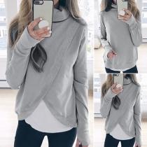 Modernes Sweatshirt mit Volltonfarbe Langen Ärmeln Rollkragen und Unregelmäßigem Saum