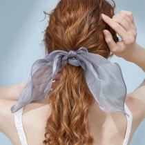 Einfaches Haarband mit Schleife und Volltonfarbe