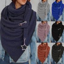 Moderner Schal mit Volltonfarbe und Unregelmäßigem Saum