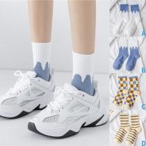 Moderne Bedruckte Socken mit Kontrastierende Farben