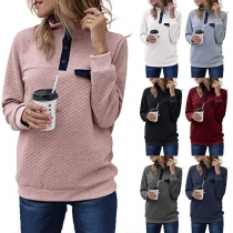 Modernes Sweatshirt mit Kontrastierenden Farben Langen Ärmeln und Stehkragen