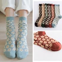 Socken mit Blumenmuster im Retrostil