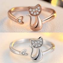 Netter Katzenförmiger Ring mit Strass