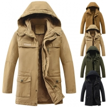 Moderne Gepolsterte Jacke für Herren mit Volltonfarbe Langen Ärmeln und Kapuze