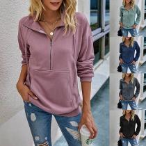 Modernes Sweatshirt in Volltonfarbe mit Stehkragen und Langen Ärmeln