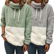Modisches Sweatshirt aus Plüsch mit Kontrastierenden Farben Langen Ärmeln und Hohem Kragen