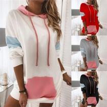 Moderner Kapuzenpullover mit Kontrastierenden Farben Langen Ärmeln und Fronttasche