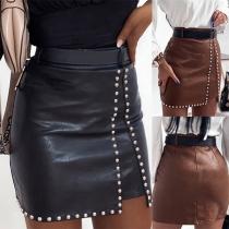 Moderner Kunstlederrock mit Hoher Taille Schlanker Passform und Nieten