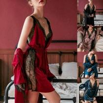 Sexy Zweiteiliges Nachtwäscheset mit Spitzendesign bestehend aus einem Nachthemd mit Freiem Rücken Trägern und V-Ausschnitt + Robe