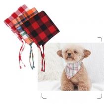 Moderner Karierter Dreieckiger Schal für Haustiere in Kontrastierenden Farben
