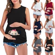 Nettes Ärmelloses Umstands-T-Shirt mit Rundhalsausschnitt und Baby-Motiv
