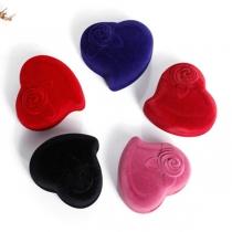 Herzförmige Schmuckschatulle für Ihre Accessoires