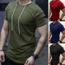 Modernes T-Shirt für Herren mit Kurzen Ärmeln Volltonfarbe und Rundhalsausschnitt mit Tunnelzug