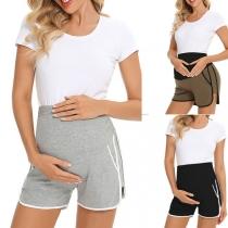 Moderne Umstandsshorts mit Kontrastierenden Farben und Elastischer Taille