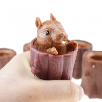 Niedliche Quetschspielzeug mit Eichhörnchen