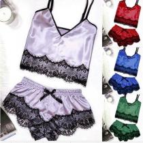 Sexy Nachtwäscheset mit Spitzendesign bestehend aus einem Top mit Freiem Rücken V-Ausschnitt und Trägern + Shorts (Die Größe fällt klein aus)