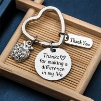 Schickes Schlüsselbund mit Anhängern mit Eingravierter Danksagung