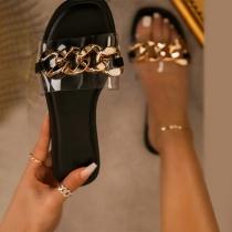 Moderne Slippers mit Flachen Sohlen Offenen Zehen und Kettengliedern