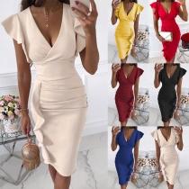 Sexy Kleid mit V-Ausschnitt Rüschen Hohe Taille Volltonfarbe und Schlanker Passform