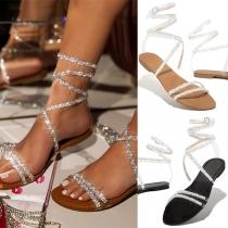 Modische Sandalen mit Strasseinlage Flachen Absätzen und Runden Zehen