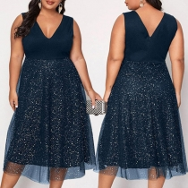 Modisches Ärmelloses Kleid mit V-Ausschnitt Hoher Taille und Saum aus Tüll