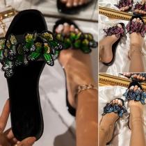 Moderne Slipper mit Flachen Sohlen Runden Zehen und Schmetterling-Design