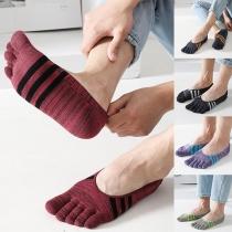 Knöchelsocken für Herren im Retrostil mit Kontrastierenden Farben und Seperaten Zehen